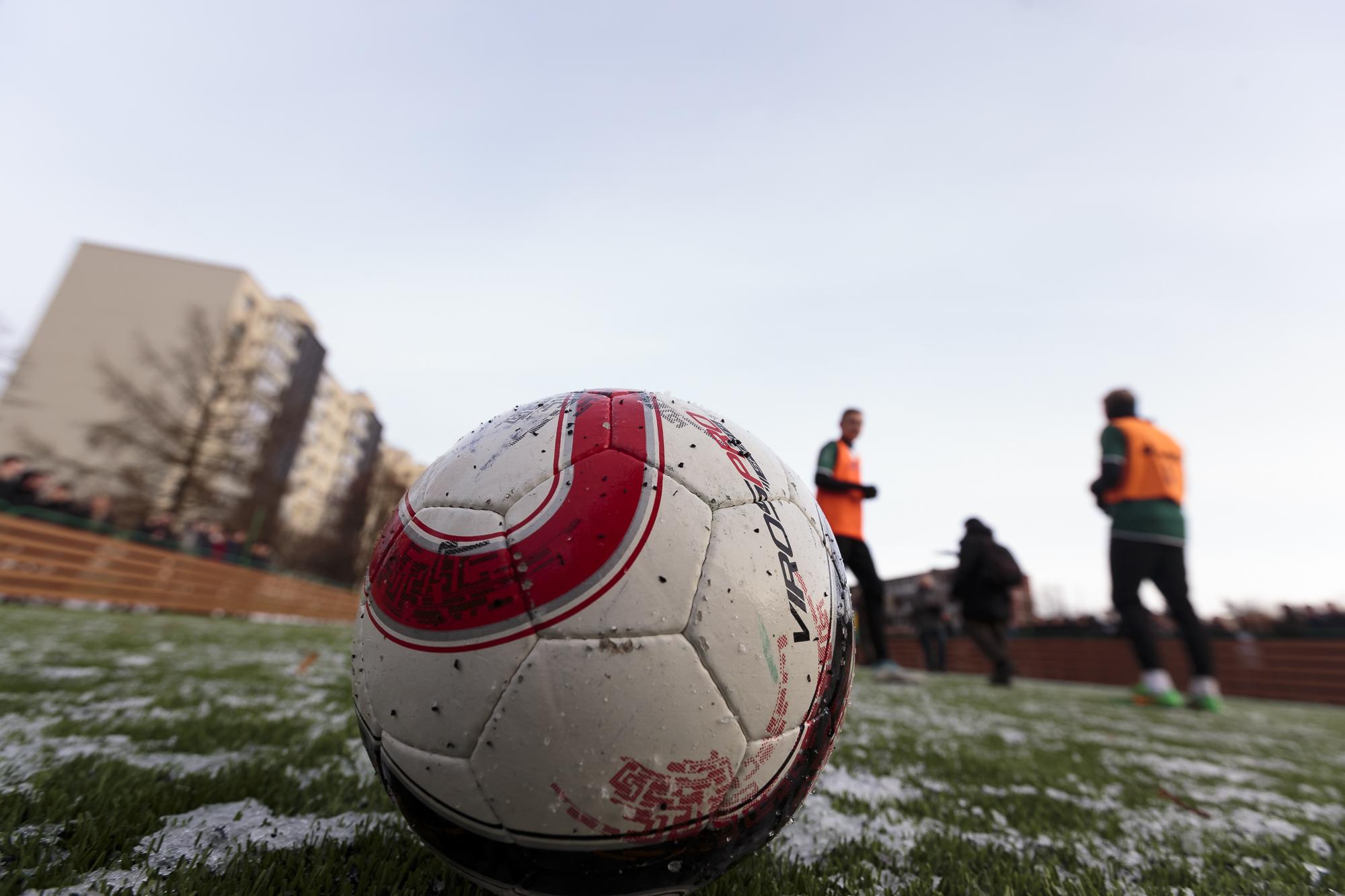 Klaida UEFA sistemoje futbolo sirgalius paliko ir be bilietų, ir be pinigų - LRT
