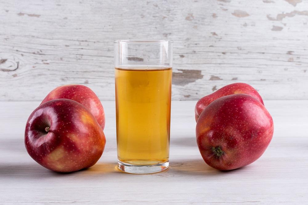 dirbti iš namų obuolių)