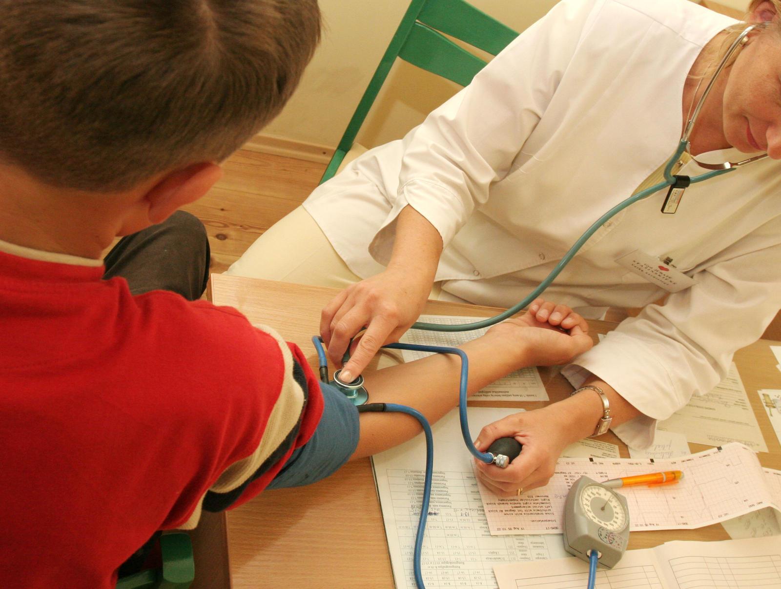 hipertenzijos atsiradimo požymių)