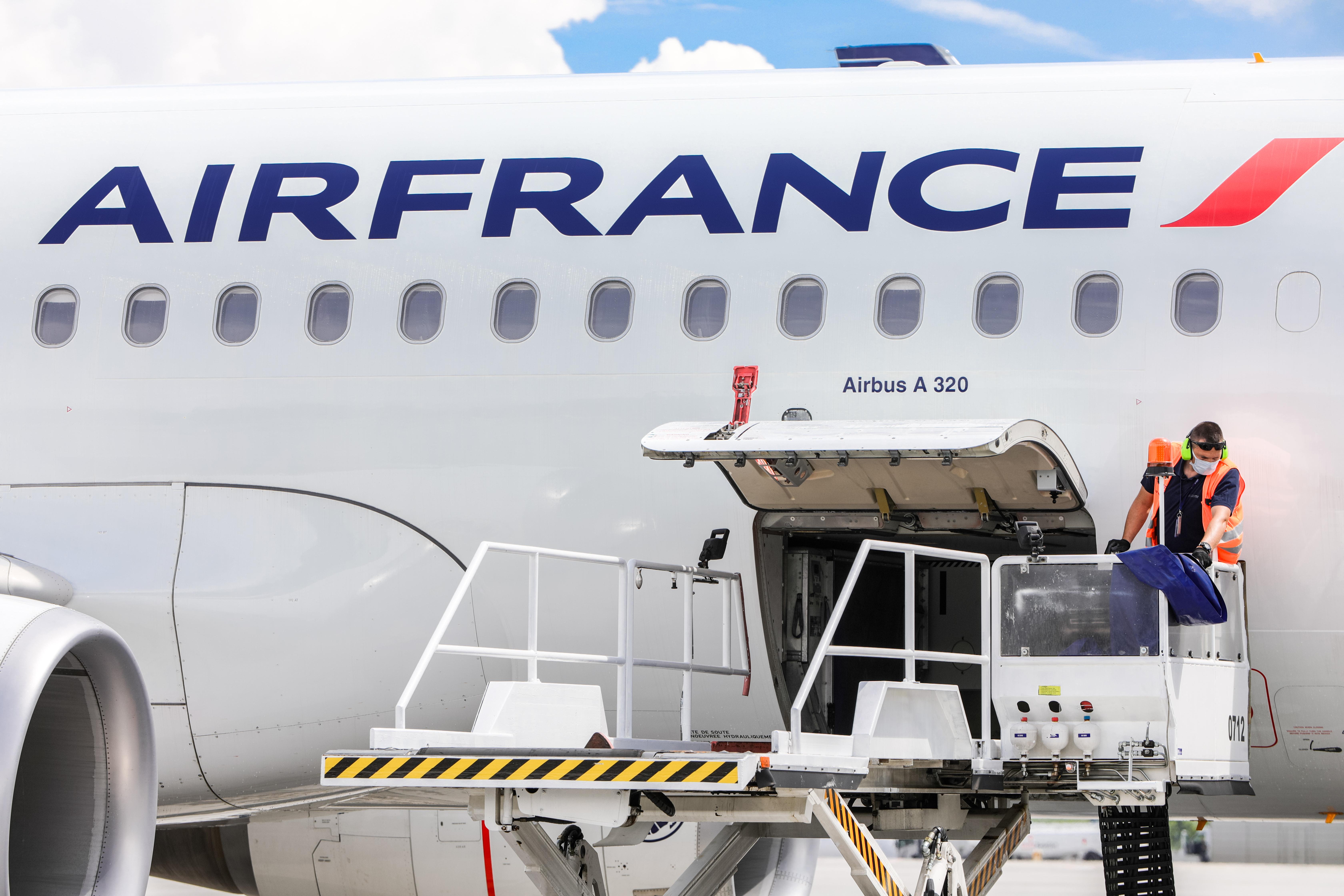 Air France atleis 7 580 darbuotojų