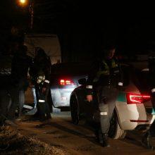 Kaune pareigūnai girtą vairuotoją stabdė šūviais <span style=color:red;>(įvykio liudininko pasakojimas)</span>