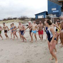Sveikuoliai Antrojoje Melnragėje atidarė maudynių sezoną