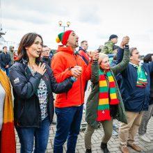 Patriotiškai nusiteikę klaipėdiečiai traukė Lietuvos himną