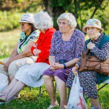 Paupių žmonės drauge palydėjo vasarą