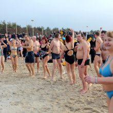 Sveikuoliai nėrė į Baltijos jūrą