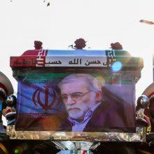 """Iranas: mokslininkas M. Fakhrizadeh nužudytas per """"naują sudėtingą operaciją"""""""