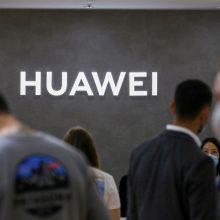 """JAV pažadėjo Brazilijai milijardą dolerių, jei ši atsisakys """"Huawei"""""""