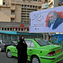 Po mokslininko nužudymo Iranas spartina branduolinę programą