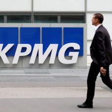 """KPMG: kietasis """"Brexitas"""" perpus sumažintų JK ekonomikos atsigavimą"""