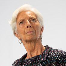 """ECB vadovė ragina daugiau investuoti į """"žaliuosius"""" projektus"""