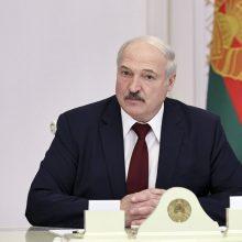 A. Lukašenka: Vakarai, užuot padėję kovoti su pandemija, finansuoja opoziciją