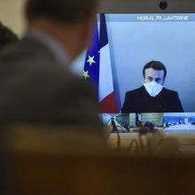 Koronavirusu sergantis Prancūzijos prezidentas E. Macronas jaučiasi geriau