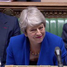 """Th. May kritikuoja """"beatodairišką"""" """"Brexit"""" planą"""