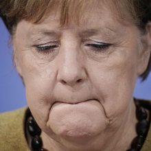 """A. Merkel: """"Twitter"""" sprendimas blokuoti D. Trumpo paskyrą yra problematiškas"""