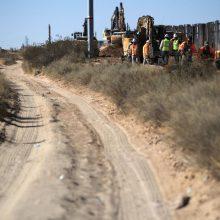 D. Trumpas didele sėkmė pavadino sienos Meksikos pasienyje statybą