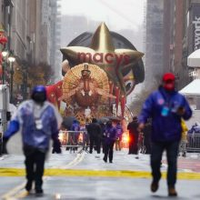 Tradicinis Padėkos dienos paradas Niujorke įvyko nepaisant COVID-19 suvaržymų