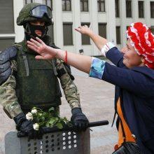 Baltarusijos opozicija ragina karius pereiti tautos pusėn