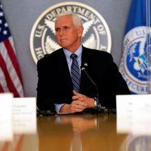 JAV viceprezidentas žada saugų valdžios perdavimą