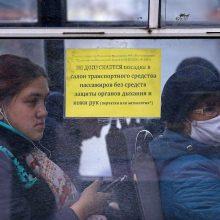 """Koronaviruso suvaldymas rusiškai: """"išmeskite juos iš autobuso"""""""