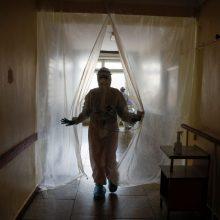 Ukrainoje per parą nustatyta mažiau kaip 10 tūkst. COVID-19 atvejų