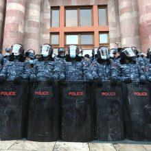 Armėnija ir Azerbaidžanas vėl apsikeitė kaltinimais dėl karo nusikaltimų Karabache