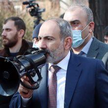 Armėnijos opozicija perspėjo premjerą dėl paskutinės galimybės atsistatydinti