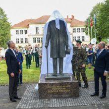 Kultūros ministerija neorganizuos naujo paminklo A. Smetonai idėjos konkurso
