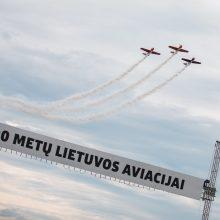 Aviacijos šventė Kaune: nuo skraidančios legendos iki didžiausios vėliavos nuleidimo