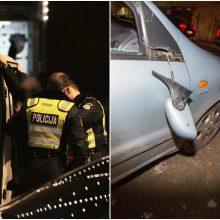 Klaipėdoje apgadinti du automobiliai: sulankstytas kapotas, pavogti veidrodėliai