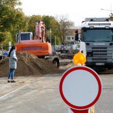 Absurdiškas lėšų švaistymas Gargžduose: vos tik paklos asfaltą, jį tuoj pakeis kitu