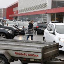 Dvi dienos panikos: Klaipėdoje žmonės skuba į prekybos centrus ir kirpyklas