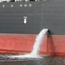 Balastinis vanduo Klaipėdos uosto akvatorijoje: nustatė laivą, išleidusį net 195 tonas