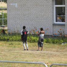 Pasieniečiai į šalį įleido vieną nelegalų migrantą, apgręžė – 76