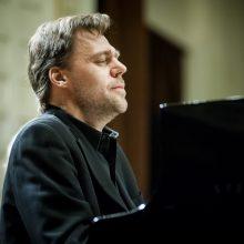 Pianistas A. Žlabys su simfoniniu orkestru koncertuos Vilniuje