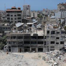 Po padegamųjų balionų atakų Izraelis smogė taikiniams Gazos Ruože
