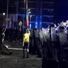 Per riaušes prie Seimo nukentėjo 18 pareigūnų, trims prireikė operacijos