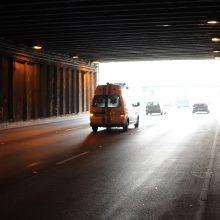 Kalvarijos savivaldybėje nuo kelio nuvažiavo automobilis: sužaloti du vyrai