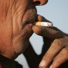 Paradoksas: nors akcizas didėja, rūkalų paklausa nemažėja