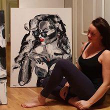 """Virsmas: """"Aš subrendau, mano moterys tapo paslaptingesnės"""", – sako Ramunė, ateityje nematanti savęs vien kaip erotinių paveikslų tapytojos."""