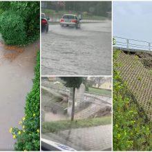 Antradienio liūtis užtvindė ir Alytų: gatvės virto upėmis, miestiečiai vandenį sėmė kibirais
