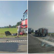"""Kelyje """"Via Baltica"""" – sunkvežimio ir """"Audi"""" avarija: nukentėjo žmogus"""