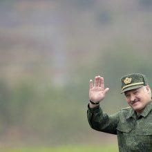 Rudens nelaukė – kariai ir karinė technika jau vežami į Baltarusiją