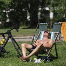 Didžiąją Britaniją užliejo karščio bangos: tai taps kasdienybe?