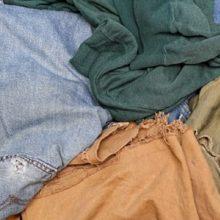 Sukčius apgavo pagyvenusį vyrą: senus drabužius pardavė kaip naujus