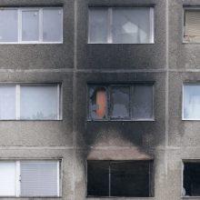 Daugiau nei 3 promiles įpūtęs vyras įtariamas padegęs butą