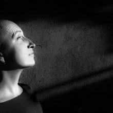 Pastebėjo: net dvejus metus nepanorusi atsiauginti plaukų E. Grudzinskaitė-Gruodis buvo pakviesta į Siciliją pozuoti fotografams, kurie susirado ją per feisbuką.