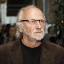 Šalies vadovai pasveikino kino režisierių A. Puipą 70-mečio proga