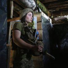 Donbase per apšaudymą nukentėjo septyni ukrainiečių kariai
