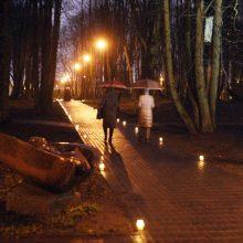Klaipėdos Skulptūrų parke laikrodžiai priminė mirusiuosius
