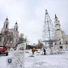 Šventinis laikotarpis baigėsi: Kauno kalėdinė eglė nupuošta